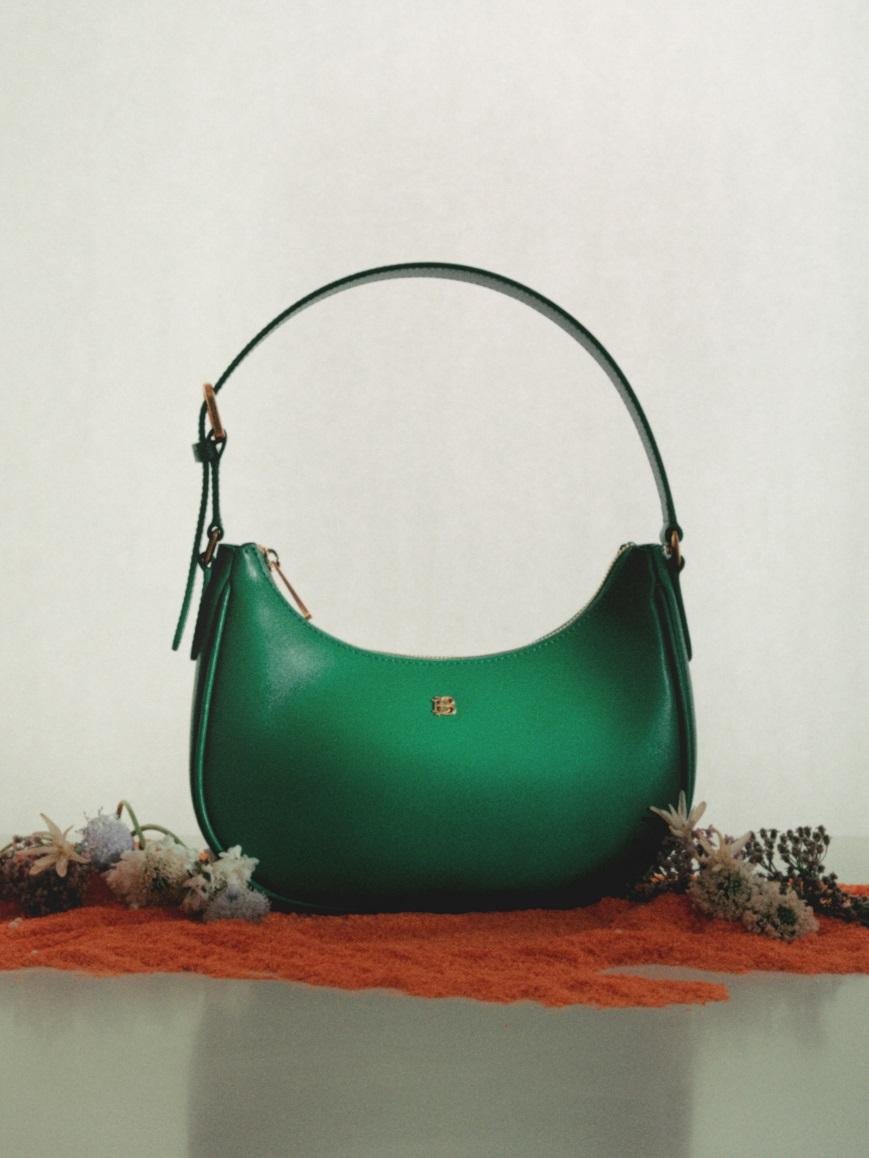 gianna in emerald